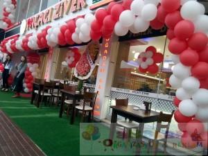 Restourant açılışı balon süsleme